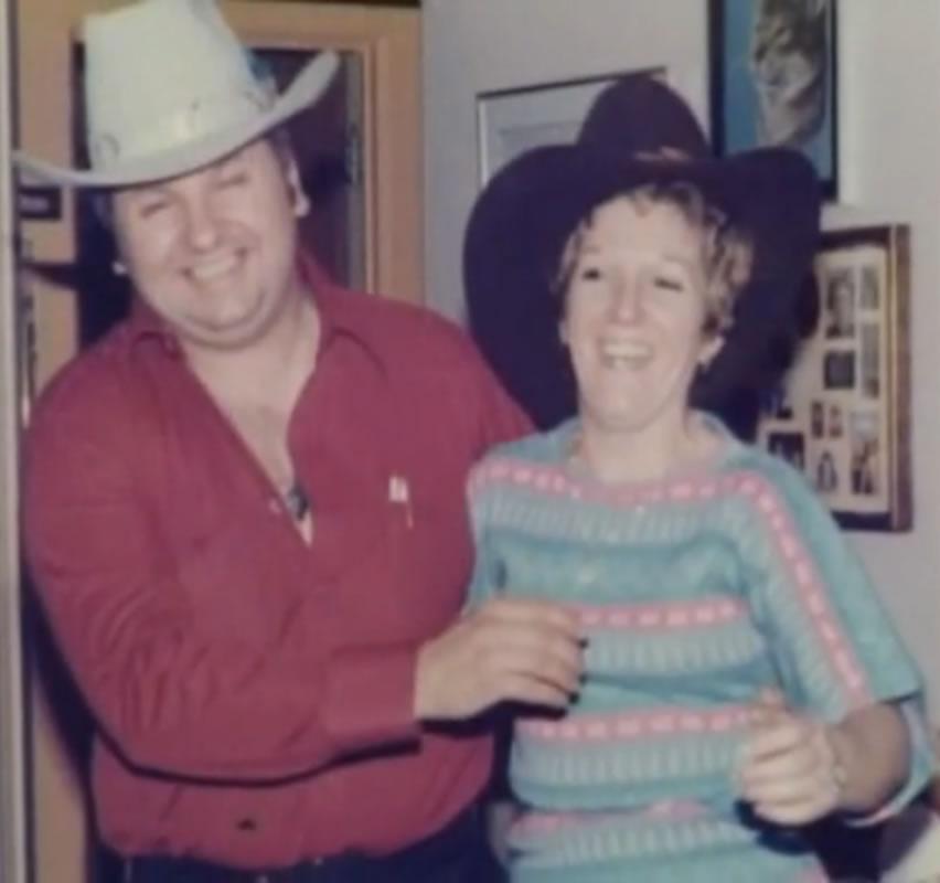 Um pai amável, um homem de família, caridoso, um cidadão modelo ... Assim era conhecido John Wayne Gacy.