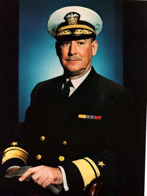 Na Foto: Contra-almirante Sidney Souers, primeiro diretor da CIA (1946). Vice-presidente do Conselho de Segurança Nacional