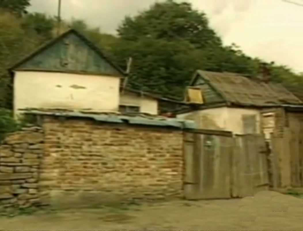 Na Foto: O barracão na periferia de Shakhty adquirido por Andrei Chikatilo em 1978.