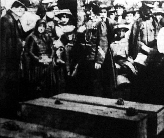 Serial Killers - Bela Kiss - O funeral das vítimas
