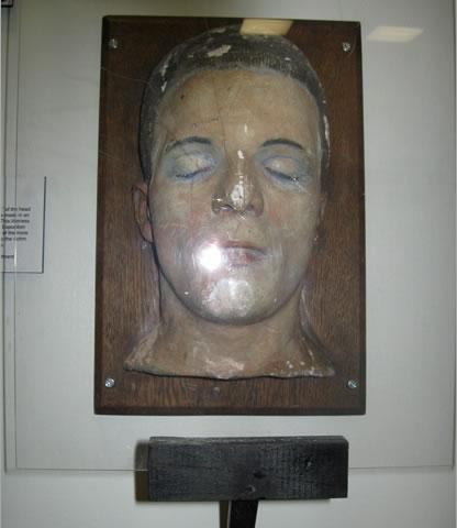 Na foto: Máscara da morte de uma das vítimas do Assassino do Tronco de Cleveland. Créditos: Elizabeth Misson/WEWS