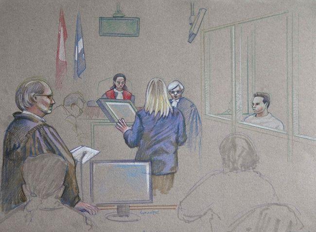 Na Foto: Desenho feito por um artista da audiência preliminar no caso Magnotta. Luka Magnotta pode ser visto atrás de um vidro do lado direito, enquanto assiste a perita forense Caroline Simoneau dando o seu depoimento. Data: 12 de março de 2013. Créditos: Toronto Sun.