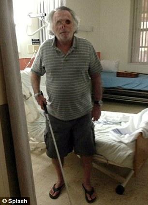 Na Foto: Ronald Poppo no hospital Memorial Jackson. Créditos: Splash.
