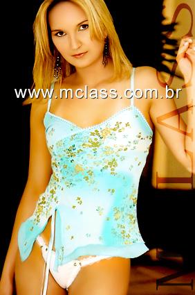 """Outra foto de Elize do seu perfil no site de garotas de programas Mclass. Ela se descrevia como """"uma loirinha carinhosa""""."""