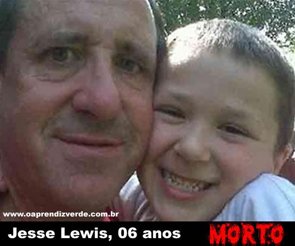 Neil Heslin e seu filho Jesse Lewis, 6 anos, morto no Massacre em Newton.