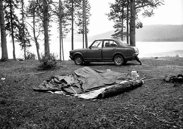 Na Foto: A barraca do casal alemão Marinus e Jannie Stegehuis no lago