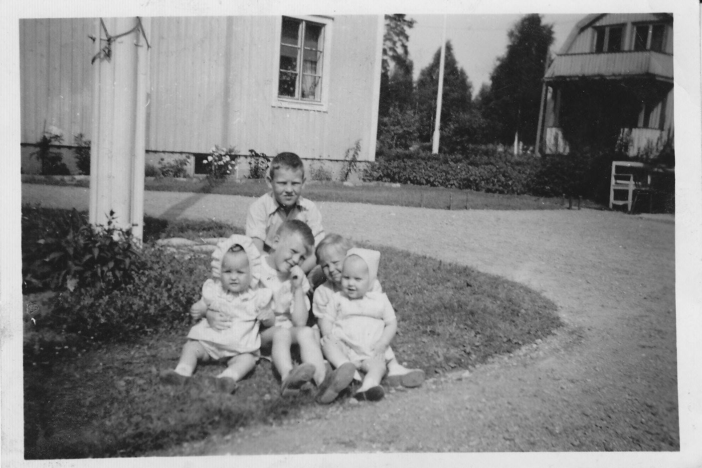 Na Foto: Os irmãos Bergwall. Sture Bergwall é o segundo da esquerda para direita. Créditos: Blog Bergwall