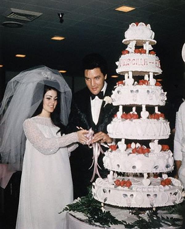 Na Foto: Lisa Marie e Elvis Presley. O casamento dos dois aconteceu em 01 de maio de 1967.