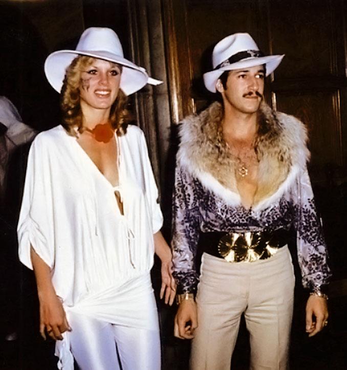 Na Foto: Dorothy Stratten e seu marido Paul Snider em uma festa em Los Angeles em 1980. Possessivo e paranóico, Paul Snider