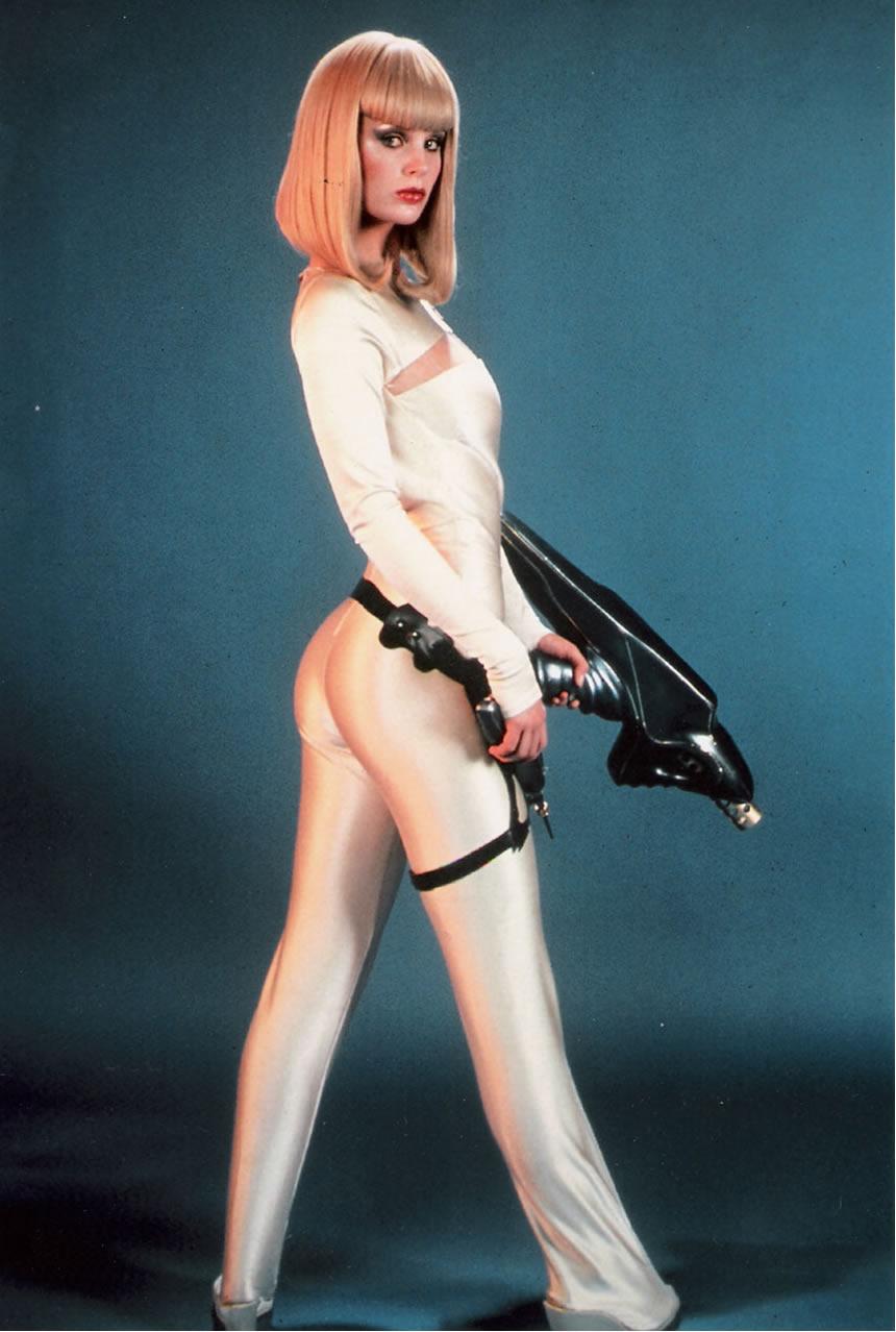 """Na Foto: Dorothy Stratten como uma sexy robô no filme """"Galaxina""""."""