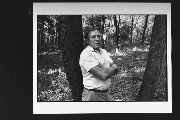 Na foto: O investigador-chefe Viktor Burakov em uma das florestas . Data da Foto: 01 de setembro de 1992.