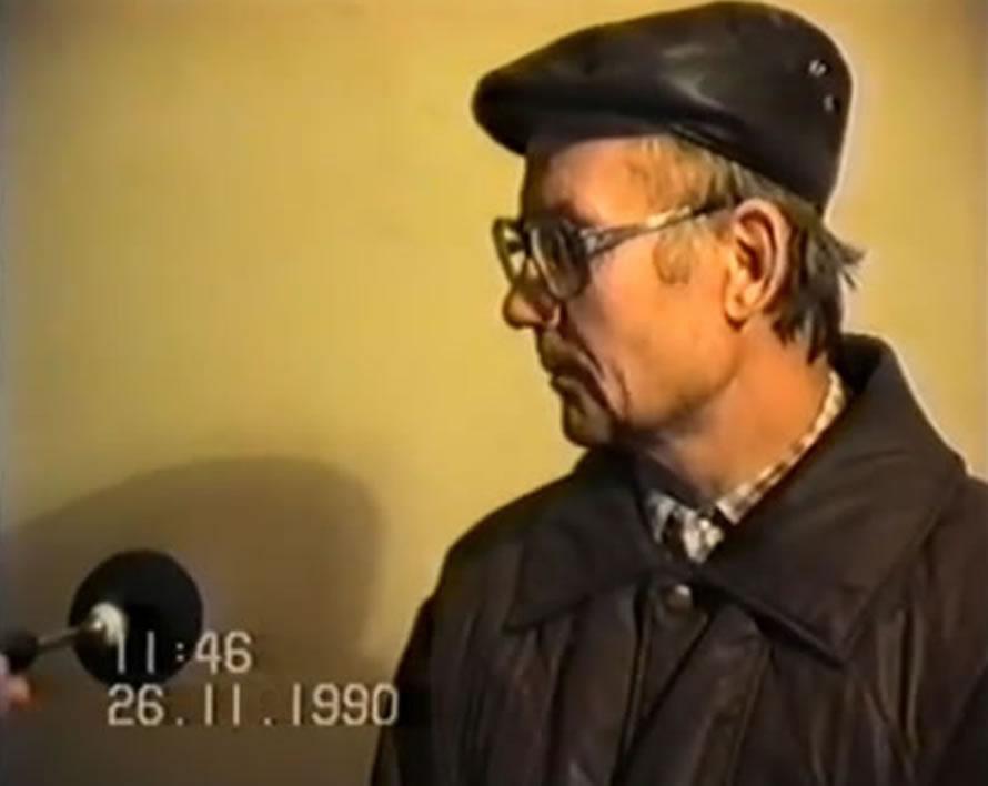 Na Foto: O suspeito Andrei Chikatilo durante interrogatório no dia 26 de novembro de 1990.