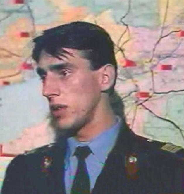 Na Foto: Igor Rybakov. No dia 06 de novembro de 1990. Rybakov, que estava disfarçado, abordou um homem em atitude suspeita na plataforma da estação de Donleskhoz. Sem ter motivos para prendé-lo, Rybakov o liberou mas escreveu um relatório sobre o ocorrido.