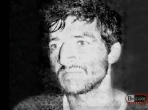 Na Foto: Pedro Alonso Lopez durante interrogatório em 1980. Créditos: Documentário Biography Channel.