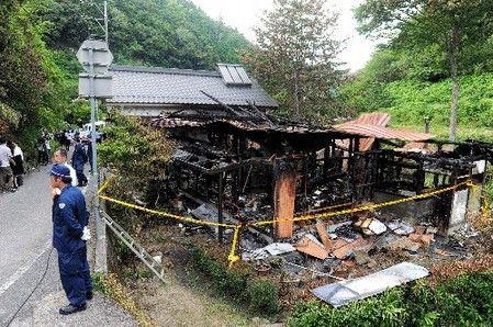 Na foto: A casa queimada de outra vítima. Créditos: CNN.