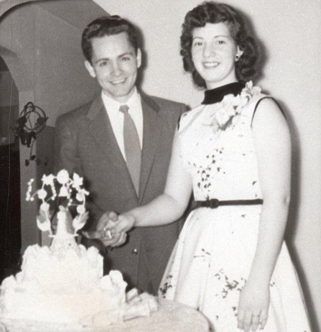 Livro - A Vida e os Tempos de Charles Manson - Casamento