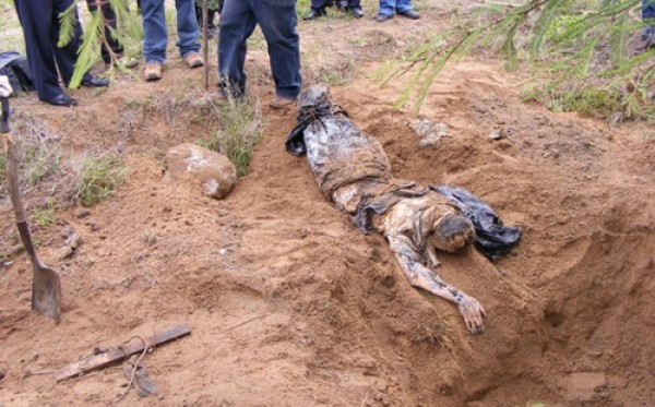 Notorios e Horripilantes Crimes de 2013 - Vala Comum no Mexico