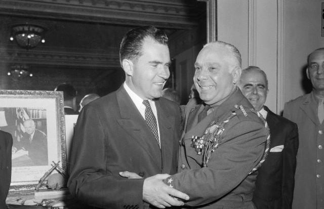 Na foto: Os dois homens que mais odiavam Fidel Castro na América: o vice-presidente norte-americano Richard Nixon e o ditador dominicano Rafael Trujillo. Data da foto: 1 de março de 1955. Créditos: