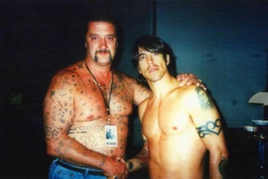 Cutelo - O Matador Australiano - Cutelo e Anthony Kiedis