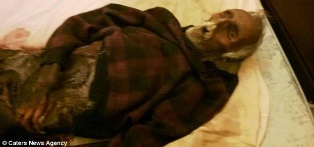 Mulher belga dormia ao lado do marido morto