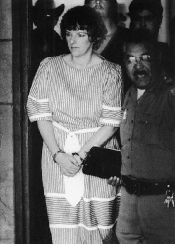 Na foto: Genene Jones após uma audiência pré-julgamento em 1 de Outubro de 1984. Acredita-se que a ex-enfermeira tenha assassinado entre 11 e 46 bebês, entre 1980 e 1982. Créditos: © Bettmann/CORBIS