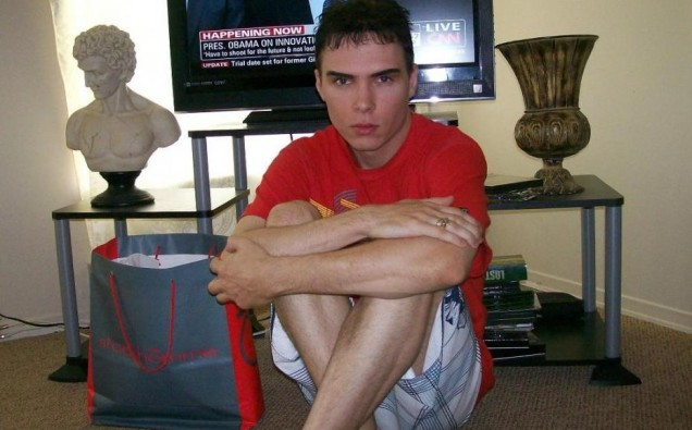 Na foto: O assassino canibal Luka Magnotta. Créditos: Melty.