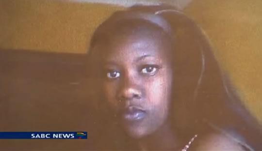 Na foto: Letta Letsoalo, 23. Seu corpo foi encontrado no início de Setembro em Mamelodi, distrito de Pretória, África do Sul. Ela pode ter sido vítima de um serial killer. Créditos: SABC.