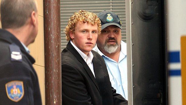 Na foto: Matthew Milat durante seu julgamento por assassinato. Créditos: Sydney Morning Herald.