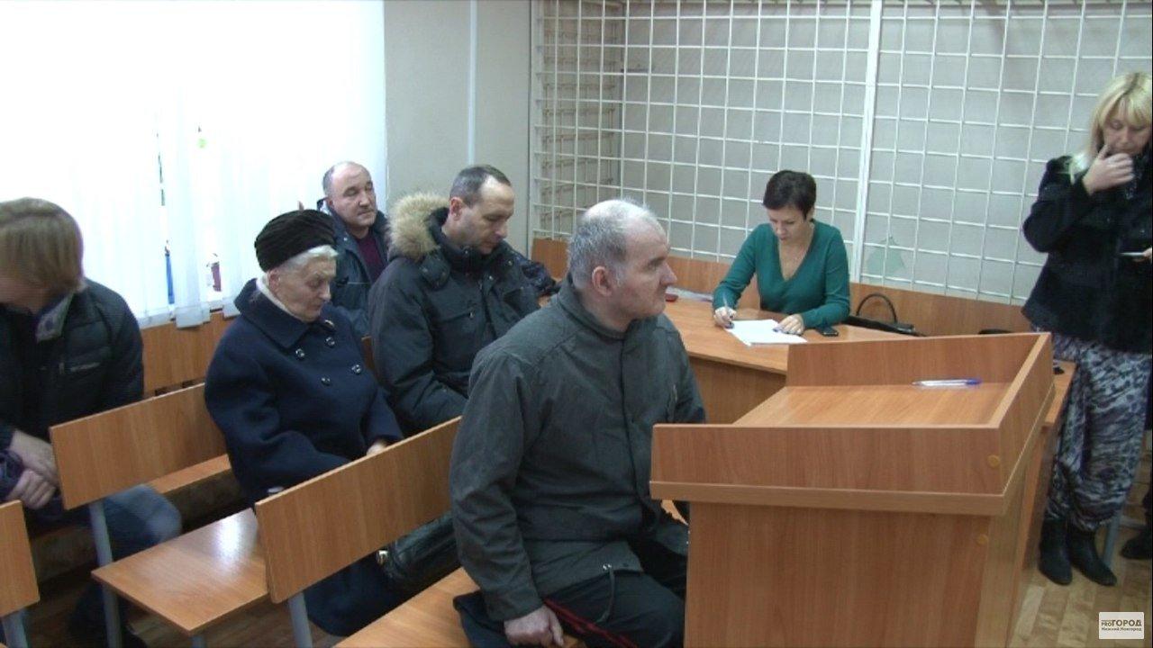 Na foto: Anatoly Moskvin durante audiência no último dia 21 de Outubro. Apesar de seu apelo, médicos consideraram que o cientista ainda não está apto a viver em sociedade. Créditos: progorodnn.