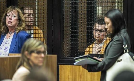 Steven Dean Gordon, 45, e Franc Cano, 28, ambos de Anaheim, Califórnia, comparecem no Superior Tribunal de Santa Ana na última sexta-feira, 3 de Outubro. Os homens foram indiciados por sequestros, estupros e assassinatos. Créditos: MARK RIGHTMIRE, STAFF PHOTOGRAPHER.