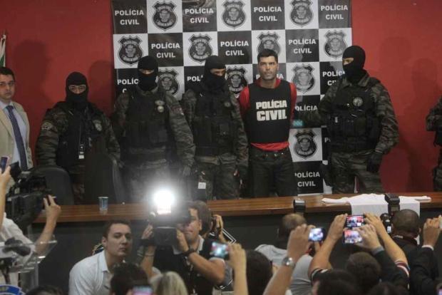 Na foto: Tiago Rocha é apresentado à imprensa em Goiânia. Créditos: Jornal Opopular.