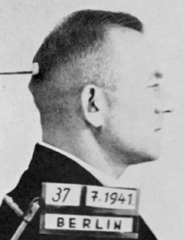Na foto: Fotografia de Paul Ogorzow tirada após sua prisão em 1941. Créditos: A Serial Killer in Nazi Berlin.