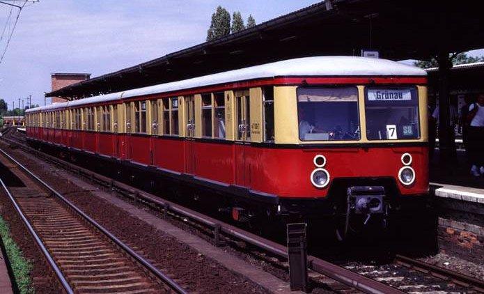 Na foto: Um S-Bahn construído por Hitler. Alguns modelos operam até hoje. Créditos: Wikipedia.