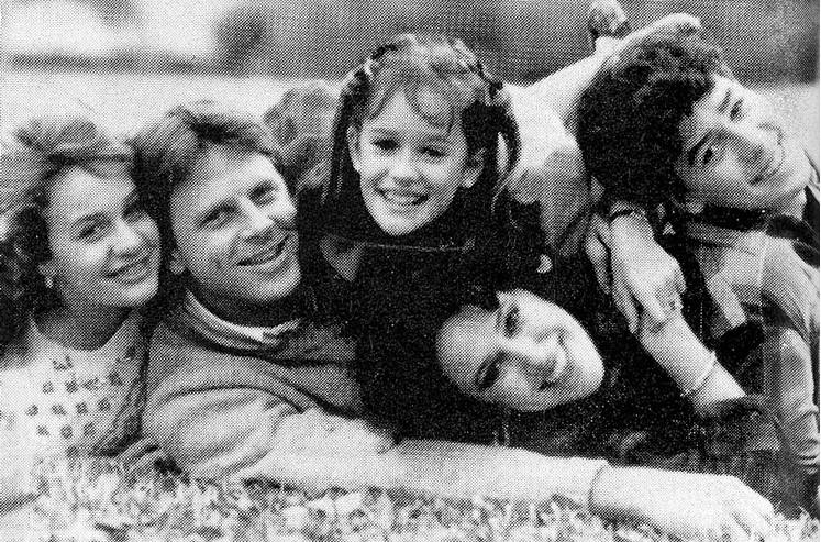 Alan, Sandra (direita) e os filhos dela. Foto: D Magazine.