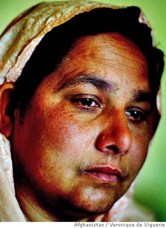A serial killer Shirin Gul na época em que foi presa por vários assassinatos. Foto: Veronique De Viguerie.