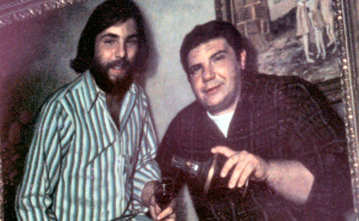Ronald DeFeo Jr. e seu pai Ronald DeFeo. Foto: Murderpedia.