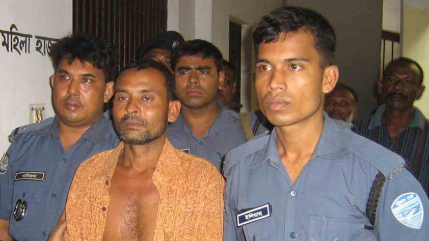 O serial killer Rasu Khan aparece no tribunal em 2008. Foto: Star file.
