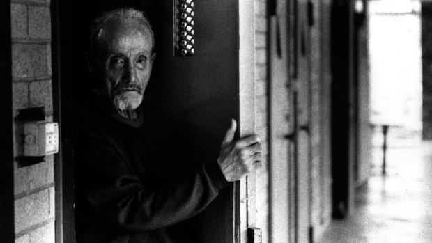 """O serial killer William MacDonald, conhecido entre os prisioneiros como """"Velho Bill"""", em foto tirada em 1995. Foto: Peter Solness."""