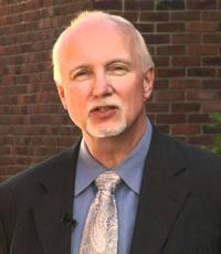 O psicólogo forense Eric W. Hickey. Foto: Reprodução Internet.
