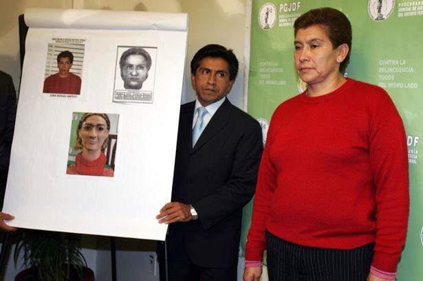 A serial killer Juana Barraza é apresentada pela polícia a imprensa. Foto: Reprodução Internet.
