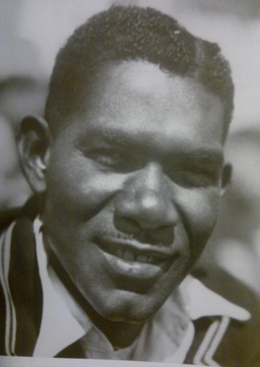 O astro jamaicano do Cricket Leslie Hylton. Paul Donnely, 501 Crimes Mais Notórios.