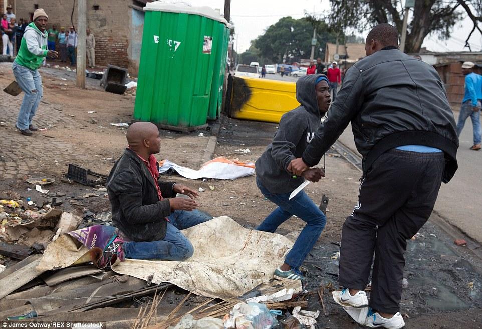 Fotografia de um Assassinato: os últimos momentos de Emmanuel Sithole.