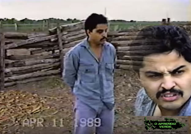 "Serafin Hernandez Garcia filmado pela polícia no Rancho Santa Elena. Imagens: Serial Killers and Cult Leaders: Adolfo Constanzo ""El Padrino"" - The Black Magic Torturer & Murderer."