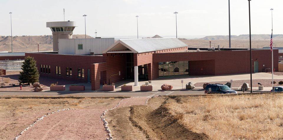 Visão externa da Florence ADMAX USP, onde Kaczynski está encarcerado (foto: Federal Bureau of Prisons).