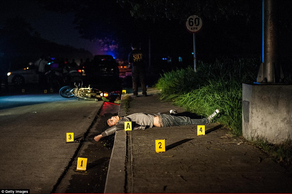 Suposto traficante morto em Manila. Foto: Getty Images.