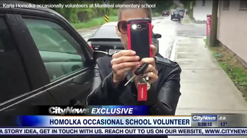 Karla Homolka filma o repórter que a perseguiu essa semana. Imagem: City News.