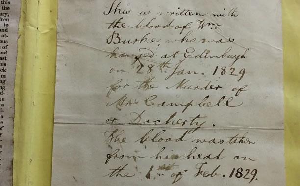 A nota escrita com o sangue de William Burke. Foto: Telegraph.