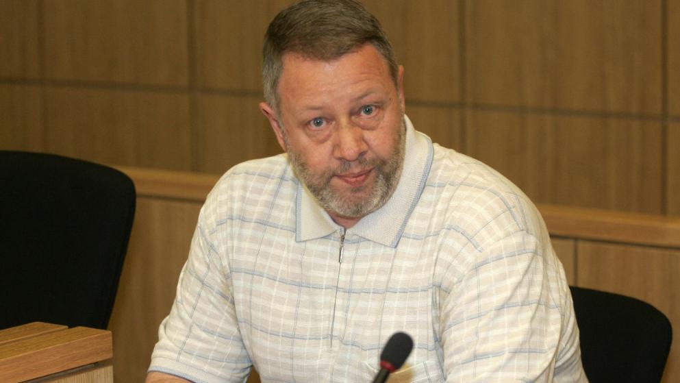 O assassino em série Egidius Schiffer, durante audiência judicial em 2008. Ele morreu na cela da cadeia após uma brincadeira sexual que deu errado.