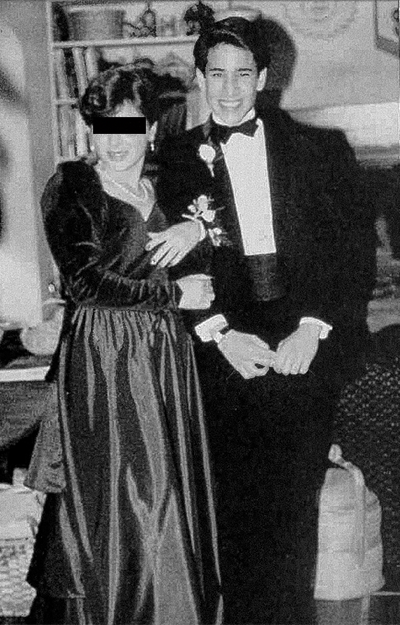 Andrew Cunanan durante festa no ensino médio. Data: 1986.