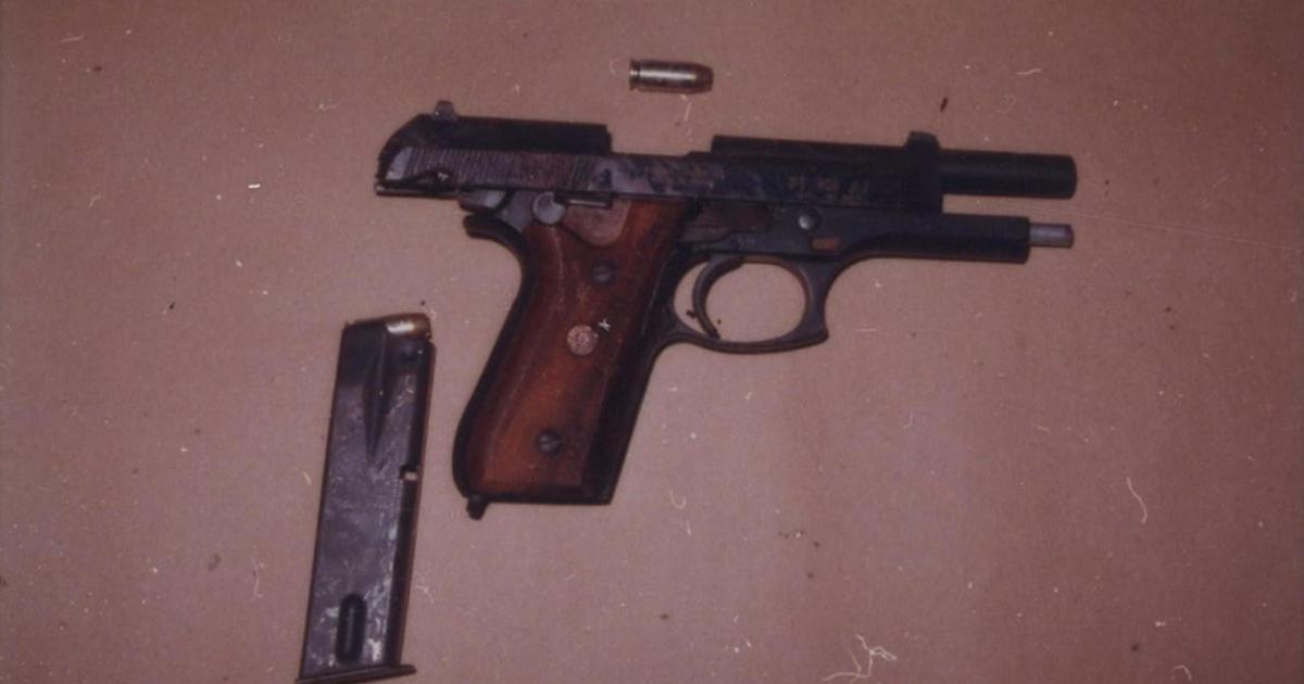 A pistola de Jeff Trail que Andrew Cunanan usou em sua missão homicida. Foto: Chicago County Sheriff's Office.